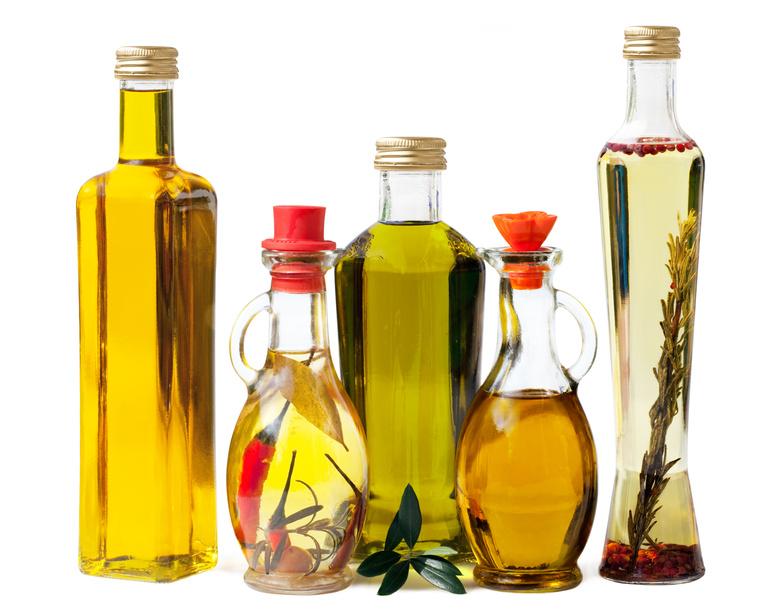 5 bottles of healthy oils